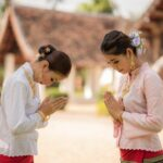 how to bow in Thailand