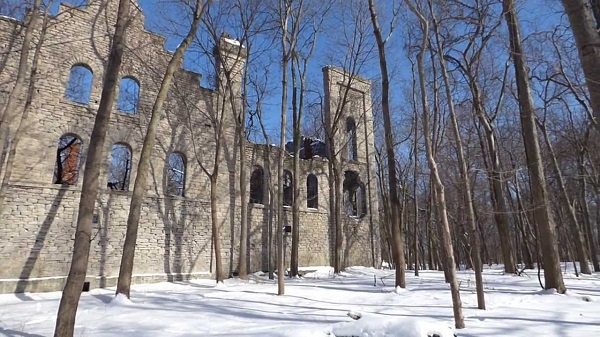Touring the Kelleys Island Winery Ruins