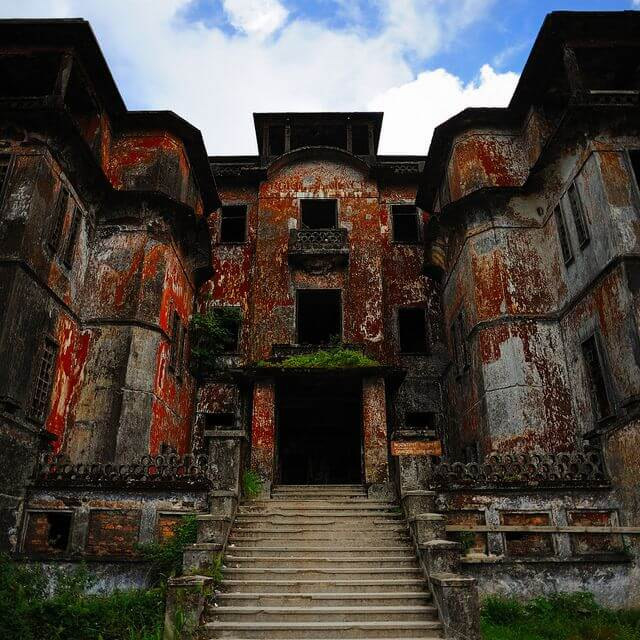 Bokor Hill Station former resort