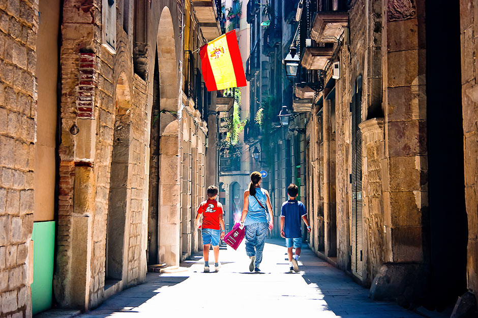 what to do in barcelona stroll