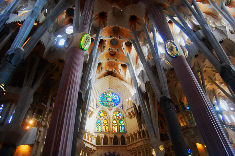 what to do in barcelona religion
