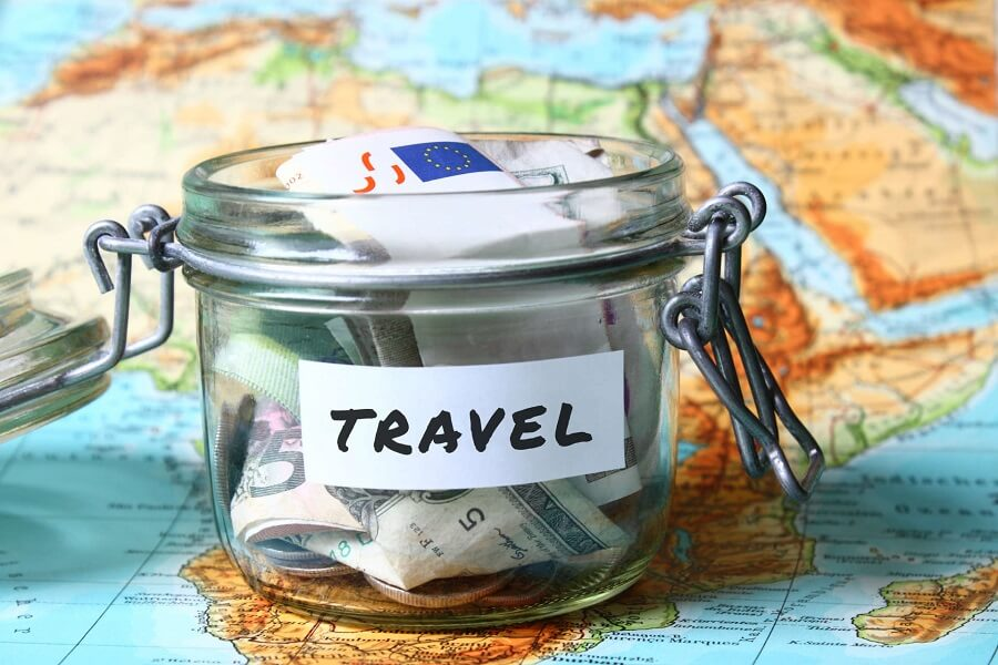 world traveler save money
