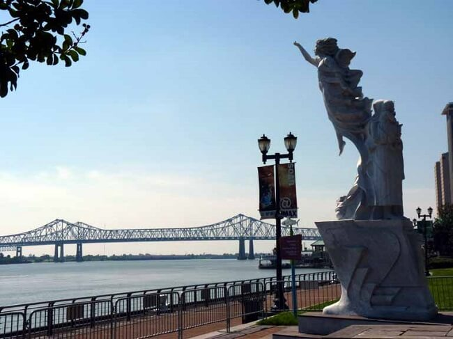 Monument to the Immigrant Mississippi River