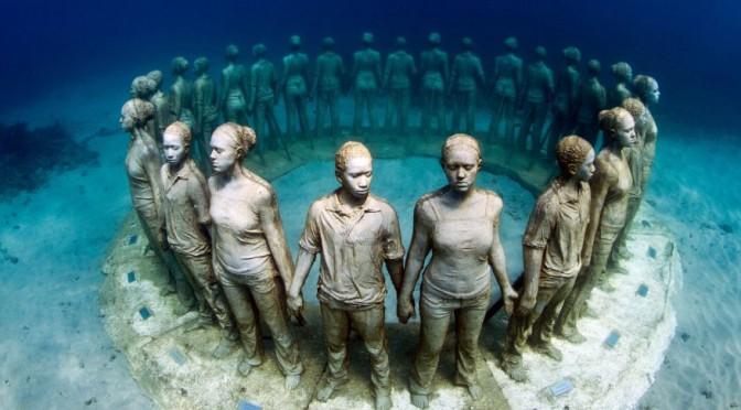 Statues at the The Museo Subacuatico de Arte