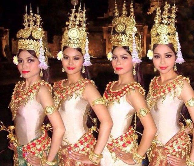 Robam Tep Apsara dancers