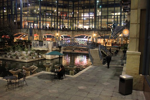 Shopping Mall USA - things to do in minneapolis