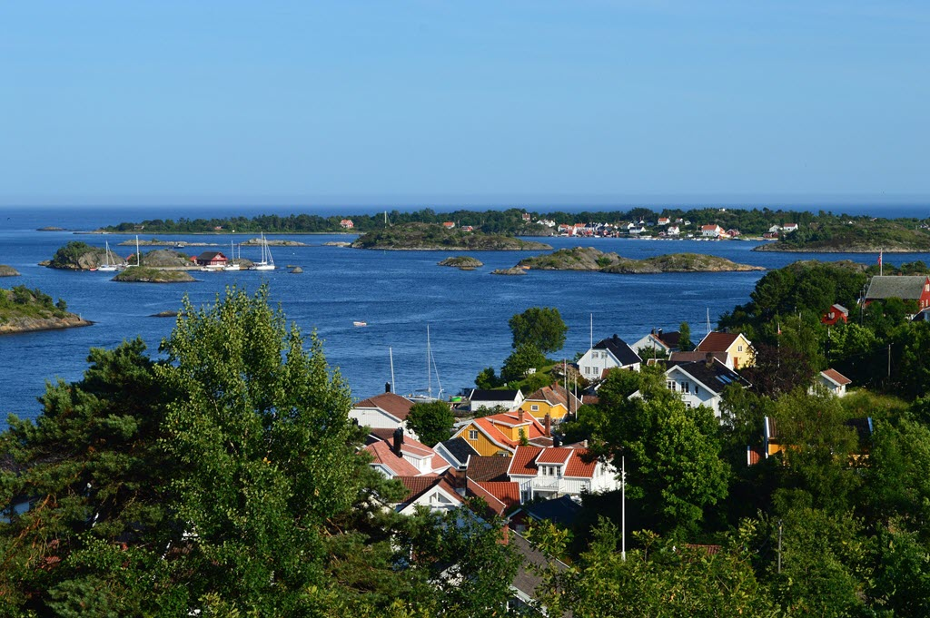 arendal norway lakes houses sailboats