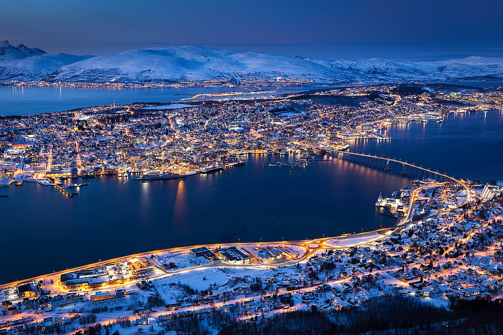 tromso norway lakes at night